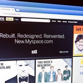 Myspace sigue con Vida